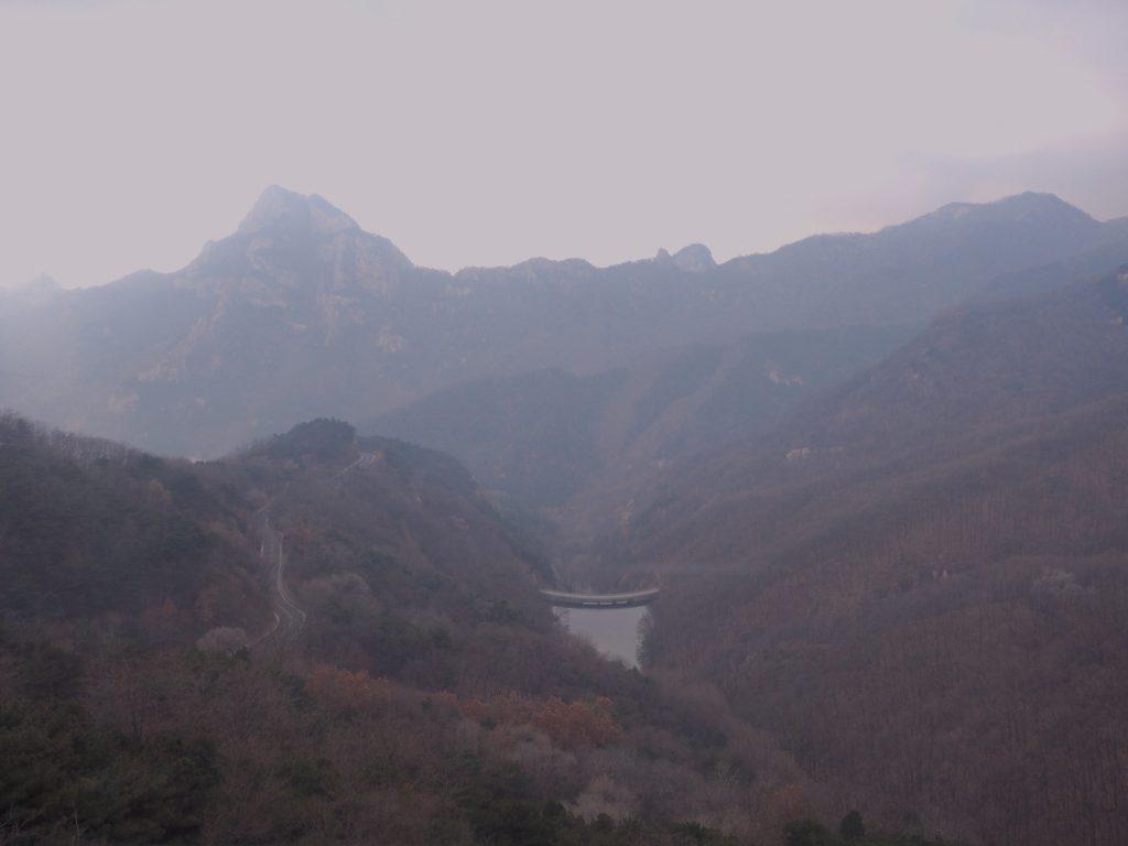 tai shan, salah satu situs warisan dunia UNESCO di shandong. merupakan puncak gunung yang paling banyak didaki di dunia dan tersuci di dataran tiongkok.